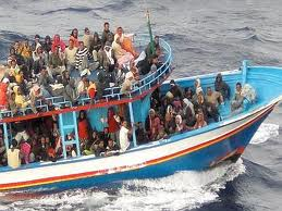 Immigrazione, bloccato veliero con 137 clandestini
