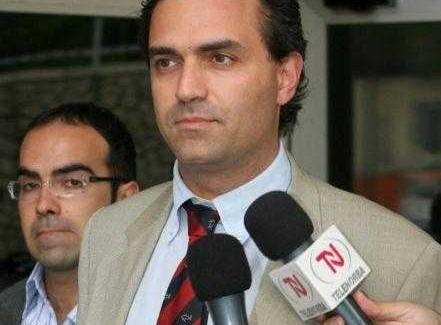 Elezioni regionali, oggi il vertice informale tra De Magistris e gli emissari di Mario Oliverio? Si vota il 3/4 ottobre