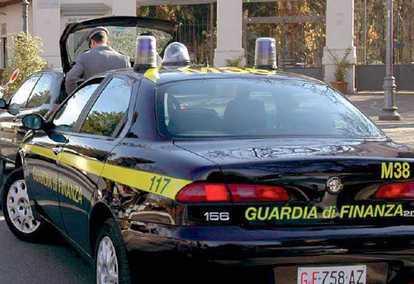 Vibo Valentia, la guardia di finanza sequestra 4,5 milioni di euro ad Andrea Mantella