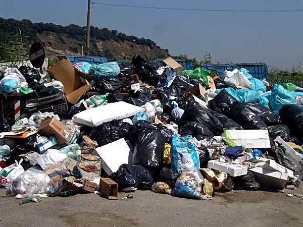 Lamezia Terme,emergenza rifiuti