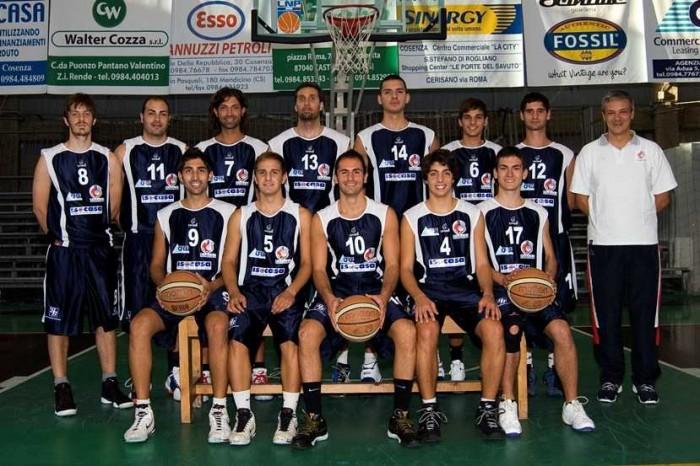 Basket, bella vittoria per Cosenza