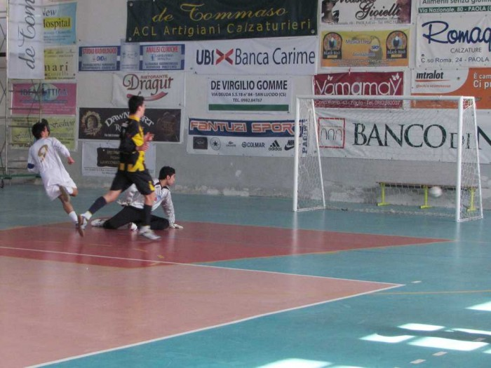 Calcio a 5 Juniores, Paola si impone