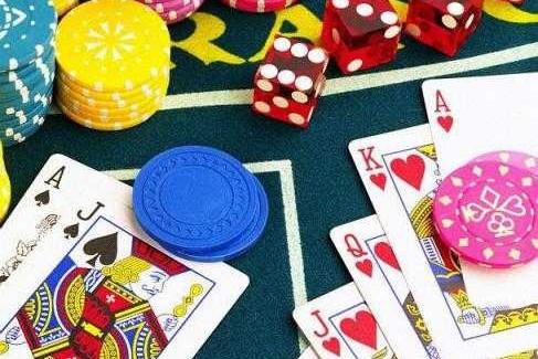 Giochi e scommesse illegali, controlli a Crotone Irregolarità e sanzioni in diversi centri