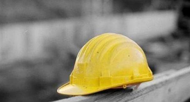 Incidente sul lavoro nel reggino, muore operaio stritolato L'uomo era alle dipendenze di una ditta ed è finito negli ingranaggi di un macchinario