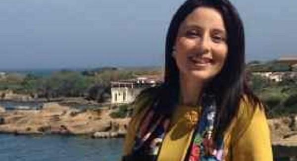 Reggio Calabria, fotomontaggi porno contro Angela Marcianò Il candidato a sindaco è stata vittima di alcune immagini esecrabili diffusi su Whatsapp. Pioggia di solidarietà da parte di tutte le compagini politiche