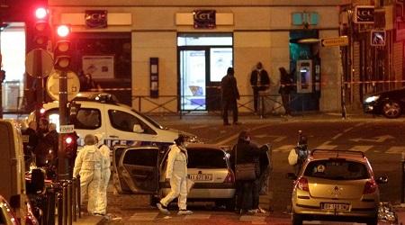 """Parigi sotto attacco: 128 morti. Isis rivendica e minaccia Il Presidente francese Hollande: """"E' un atto di guerra"""""""