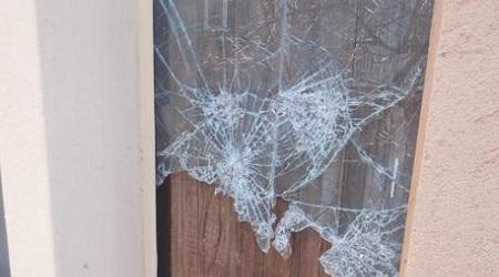 Furto nel palazzo municipale di Cassano allo Ionio Ladri hanno infranto vetrata e forzato distributore automatico