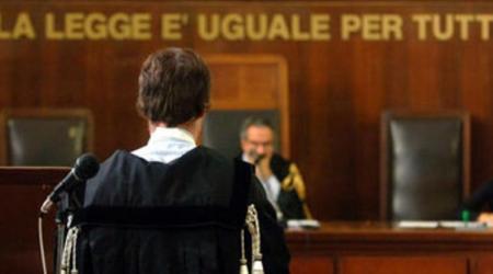 Vessazioni e abusi sessuali ex moglie, condannato avvocato L'uomo è stato interdetto per cinque anni dai pubblici uffici e dalla professione
