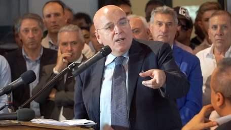 Elezioni San Giovanni In Fiore, Mario Oliverio vota scheda bianca