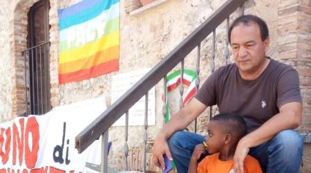 """""""L'esperimento Riace era un modello che andava preservato"""" Prosegue il ministro per gli Affari Regionali, Francesco Boccia: """"Poteva fare scuola, preferibile a scelte ispirate a manganelli e calci nel sedere"""""""