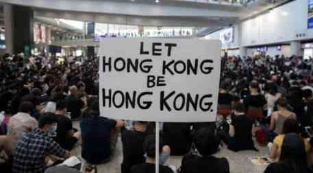 Italia, da che parte stai? Le piazze di Hong Kong e i rapporti con la Cina pongono un tema di prim'ordine a Italia ed UE: quello di una politica estera condivisa
