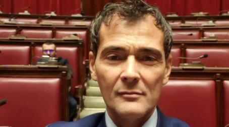 """Sapia (M5S), """"urgente intervenire a favore dei malati"""" Il deputato contesta la struttura commissariale sullo stop agli interventi nelle cliniche contro il cancro al seno"""