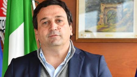 Fausto Orsomarso (FDI), assessore Turismo Regione Calabria, su crisi settore turistico Il governo nazionale utilizza la crisi sanitaria per conservare se stesso, soffocando le opportunità di ripresa e mortificando gli sforzi degli imprenditori del settore turistico che hanno dimostrato di voler resistere e di credere nelle proprie capacità
