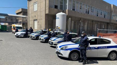 Reggio Calabria, tre esercizi chiusi per violazione norme anti Covid, 28 verbali per occupazione suolo pubblico Bilancio attività polizia locale Feste Mariane Polizia Locale
