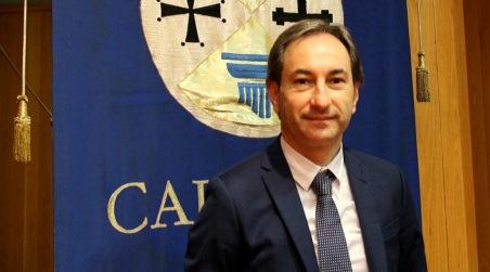 """Calabria, soldi ai laboratori privati per processare i tamponi La denuncia di Di Natale, """"Tutto a discapito della sanità pubblica"""""""