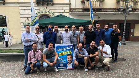 """Il ritorno della Lega in piazza, a Lamezia Terme è stato un successo di partecipazione razie ai volontari, """"I ragazzi di Via Gorizia 32"""", siamo scesi nuovamente in strada per riprendere a fare militanza con il nostro gazebo"""