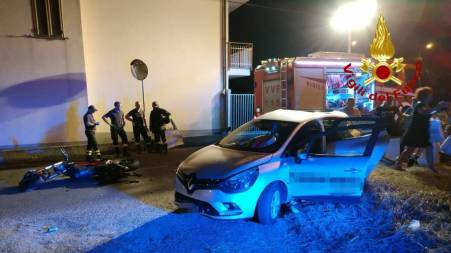 Grave incidente nella notte a Lamezia, cinque feriti I feriti sono stati trasportati negli ospedali di Lamezia e Catanzaro, è stato necessario l'intervento dei Vigili del fuoco
