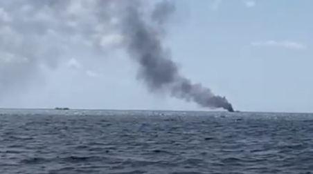 Crotone, prende fuoco una barca di migranti, quattro morti e due dispersi L'esplosione è avvenuta durante le operazioni di trasbordo sulle navi della Capitaneria di Porto. Due finanzieri feriti