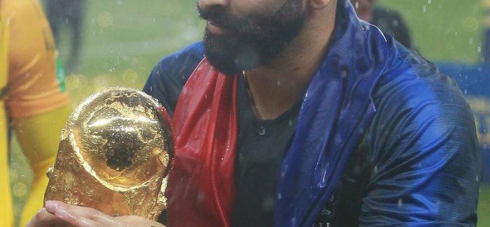 Calcio mercato : la Reggina piazza il colpo Adil Rami Il campione del mondo francese ritorna in Italia dopo l'esperienza al Milan