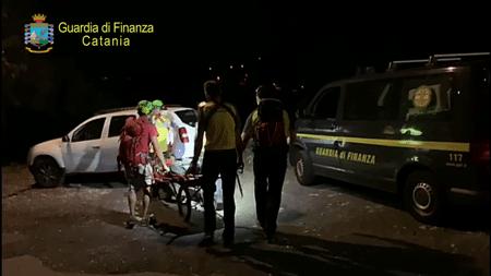 Soccorso un alpinista in località Monte Venere Alle ore 18.15 circa del 24/09/2020, le fiamme gialle etnee del SAGF venivano allertati da uno scalatore che segnalava un incidente avvenuto ad un compagno di cordata