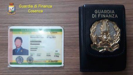 Cosenza, si spacciava per generale della Guardia di Finanza, arrestato Il responsabile, un 45enne, nato a Pozzuoli ma residente a Napoli