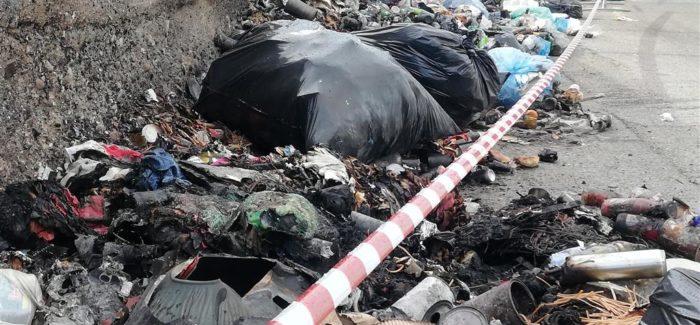 Lazzaro, ancora fiamme, disastri ambientali su disastri