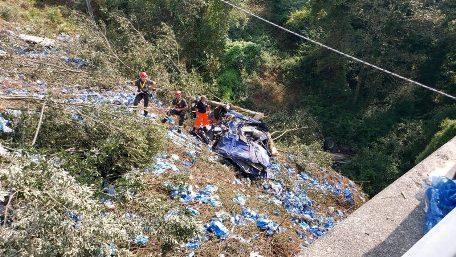 Incidente sulla Limina, un uomo perde la vita Era a bordo di un mezzo pesante ed è precipitato in una scarpata ad una profondità di circa 20 mt