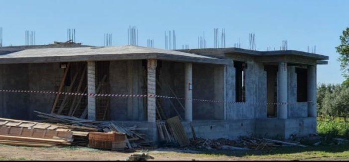 Isola Capo Rizzuto, lotta all'abusivismo, sequestrati due manufatti in località Mazzotta