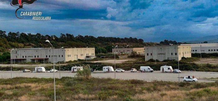 I carabinieri hanno intensificato i controlli. Notificato anche un ammonimento a 22 nomadi a San Ferdinando