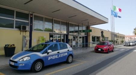 Reggio Calabria, ruba una valigia in aeroporto La Polizia di Frontiera individua il ladro e lo denuncia  per furto aggravato
