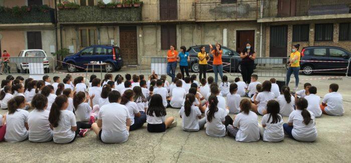 """Conclusione centri estivi Delianuova Sono stati coinvolti 122 bambini di età compresa tra i 6 e i 14 anni , organizzati dalla Cooperativa Sociale """"Strade Vincenti"""""""