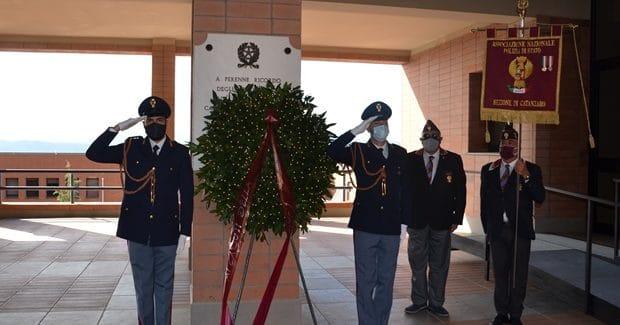Questura di Catanzaro : una corona di alloro per ricordare i caduti della Polizia di Stato