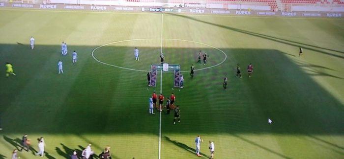 Serie B : La Spal s'impone a Reggio Calabria Decisiva la rete di Castro nel primo tempo. Pesano l'espulsione di Mènèz e il penalty fallito da Denis