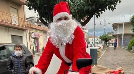 Babbo Natale Uomo Bello.Arriva Babbo Natale A Taurianova Con Miriam Sorace Approdo Calabria