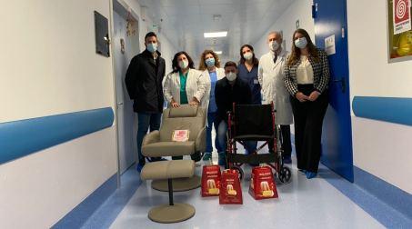 Gom, ringraziamento Rotaract e Rotary club di Reggio Calabria Difatti, dopo le donazioni nei confronti del reparto di Neonatologia, i ragazzi del club, hanno rivolto la loro attenzione al reparto di Oncoematologia Pediatrica, diretto dalla dott.ssa Graziella Iaria, e di Ematologia, diretto dal dott. Bruno Martino