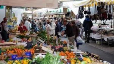 Taurianova, il mercato settimanale del giovedì ritorna alle vecchie origini Saranno così risolte le problematiche inerenti alla zona mercatale di via Senatore Loschiavo