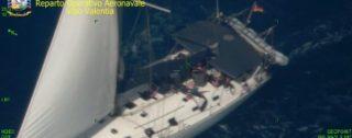 Intercettata un'imbarcazione carica di 95 migranti sulle coste reggine