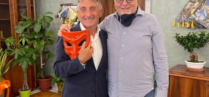 """Nico Morelli, Presidente dei """"Vacantusi"""" omaggia Giovanni Garofalo, nuovo Presidente del Tribunale di Lamezia Terme"""